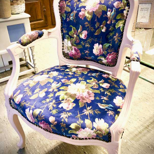 PÅ SALG!  Oasis Renaissance Rococo Chair – by English Rose Design, Clarke & Clarke