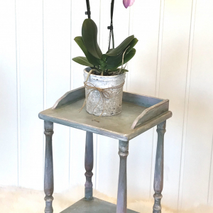 Plantebord – Plant stand – Duck Egg blue by English Rose Design